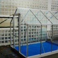 Culture virtuelle - Aluminium, verre et pigments bleu IKB - 257 cm x 193 cm x 197 cm - Galerie 36 bis à Tourcoing en fév 2010